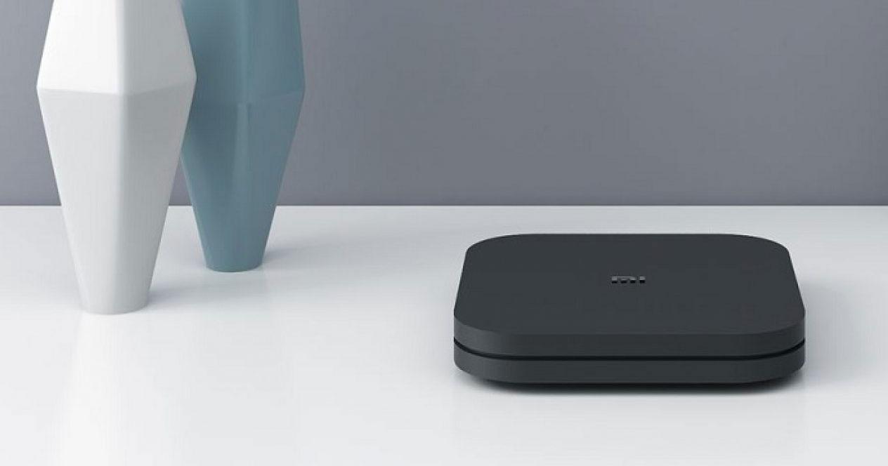 Uso en una mesa del Xiaomi Mi Box S