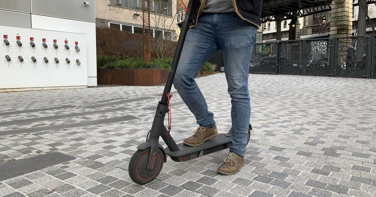 Uso del patinete Xiaomi Mi Electric Scooter Pro