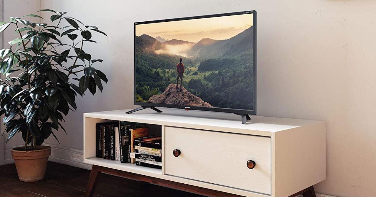 uso de Smart TV en una habitación