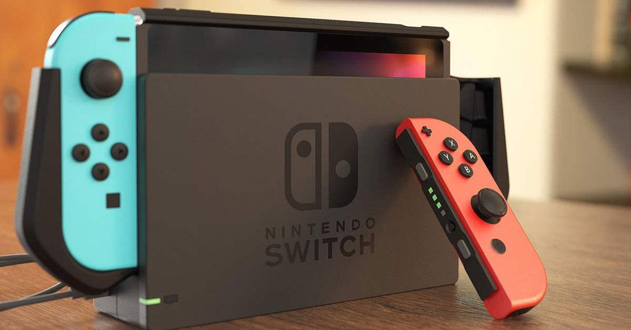 Consola Nintendo Switch en una mesa