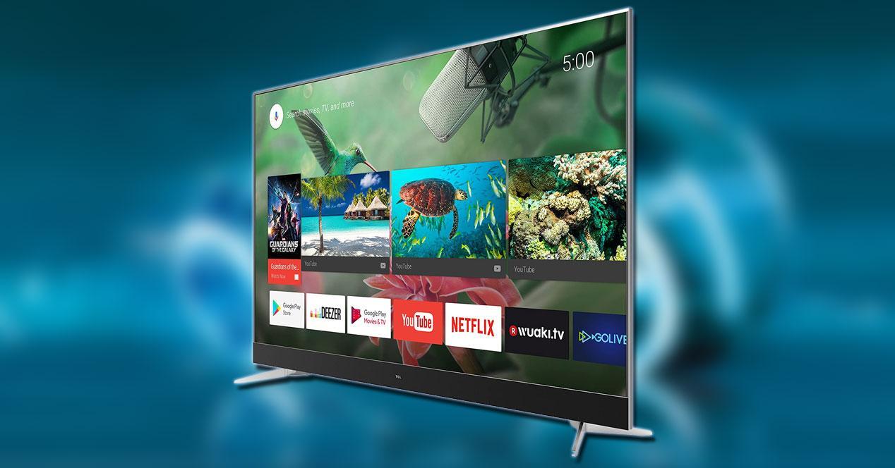 Smart TV TCL U49C7006 con fondo