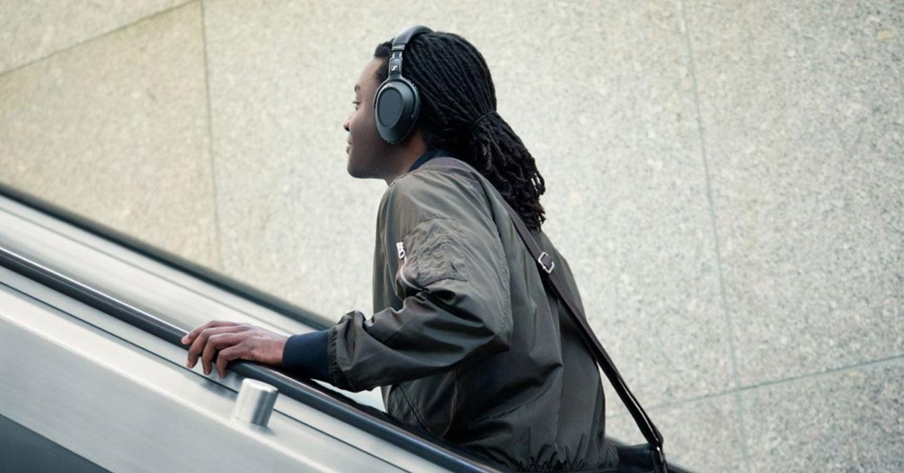 Uso de los auriculares Sennheiser PXC550