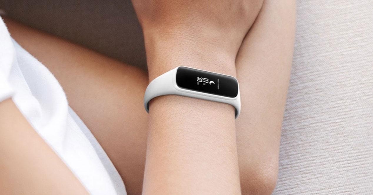 Uso de la pulsera Samsung Galaxy Fit e