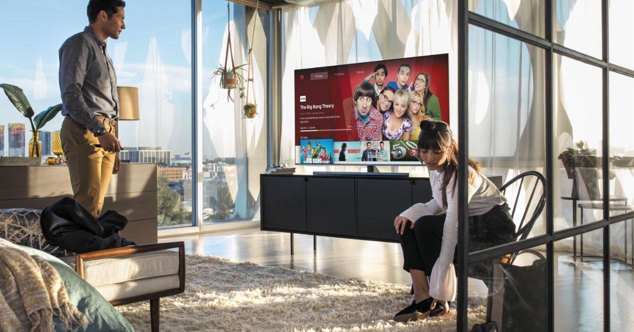Uso de Smart TV con pantalla grande