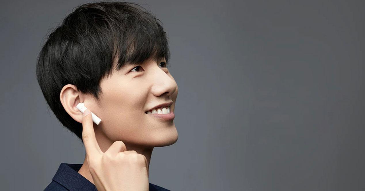 Uso de los auriculares Xiaomi Air2 SE color blanco