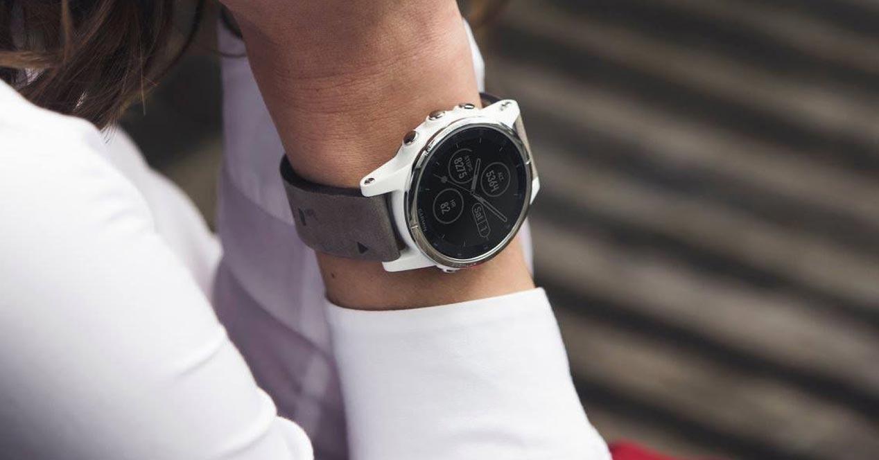Uso del smartwatch Garmin Fenix 5S Plus