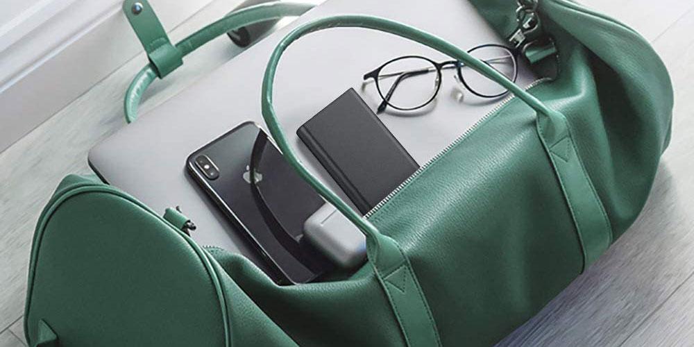Baterías externas en una mochila