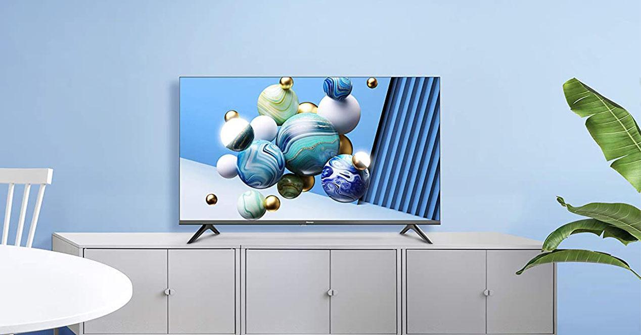 smart tv de hisense en el salon