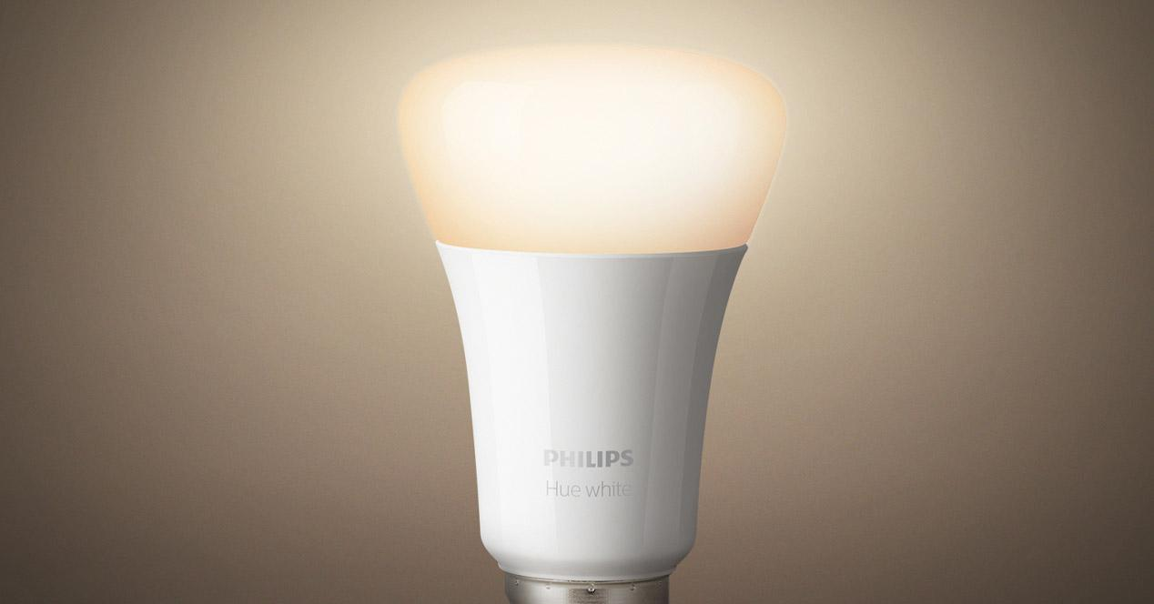 bombillas inteligentes philips encendida