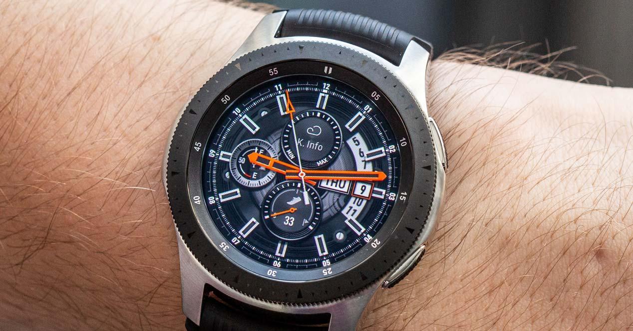 Smartwatch Samsung Galaxy Watch en uso