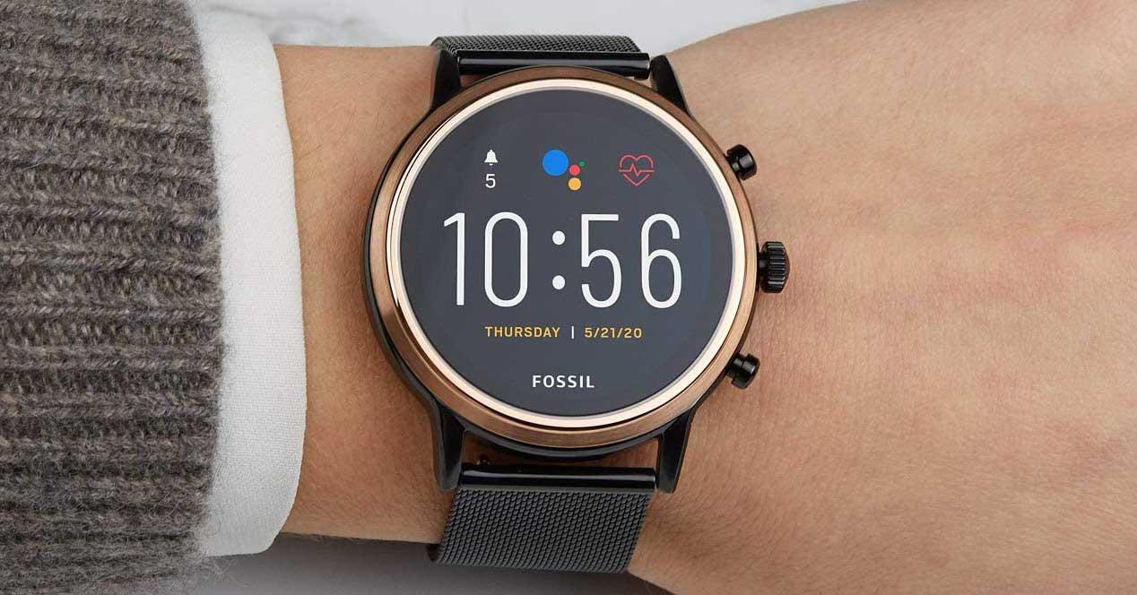 Smartwatch Fossil Gen.5 en la muñeca