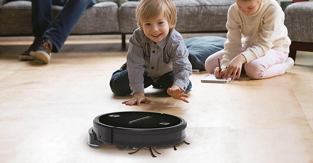 robot aspirador que también friega por la casa