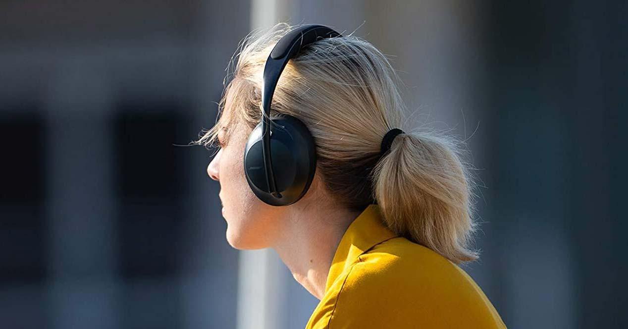 Uso de los auriculares Bose Headphones 700