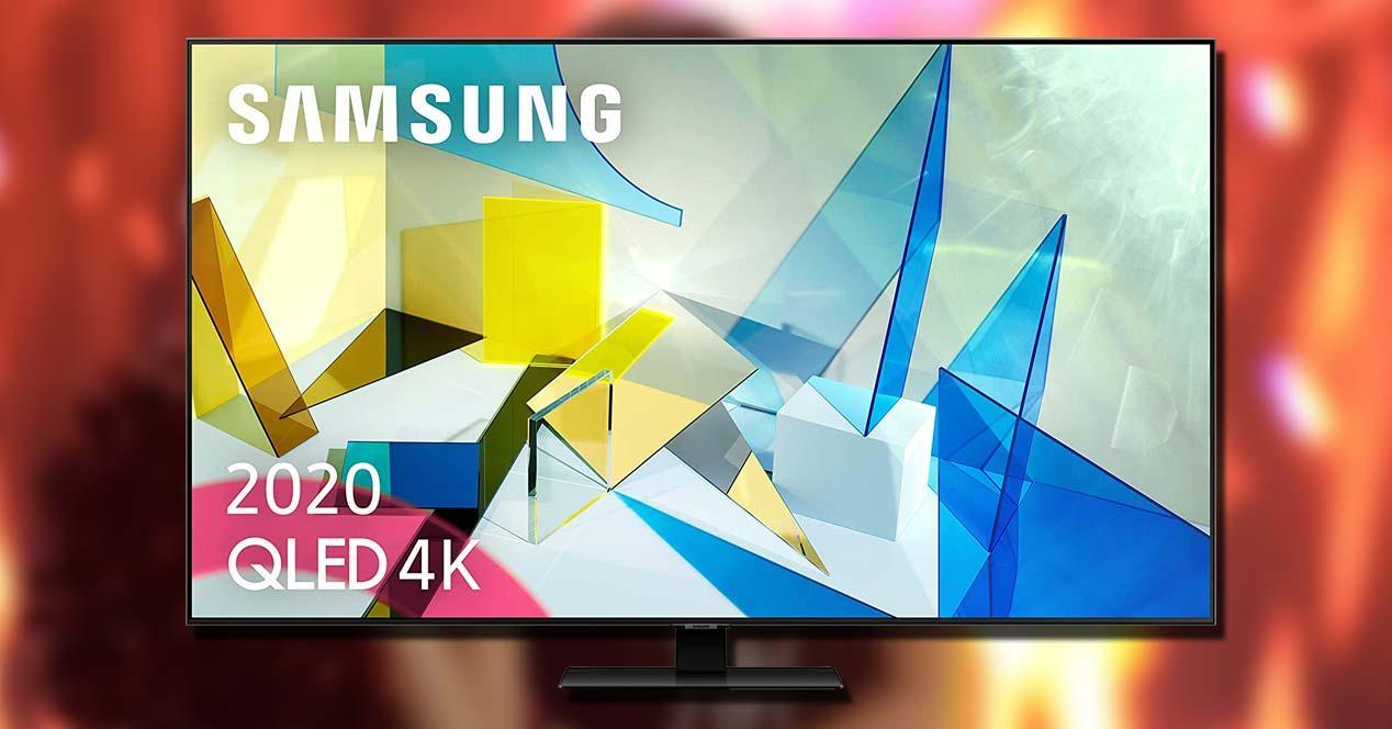 Smart TV QLED Samsung 65Q80T con fondo