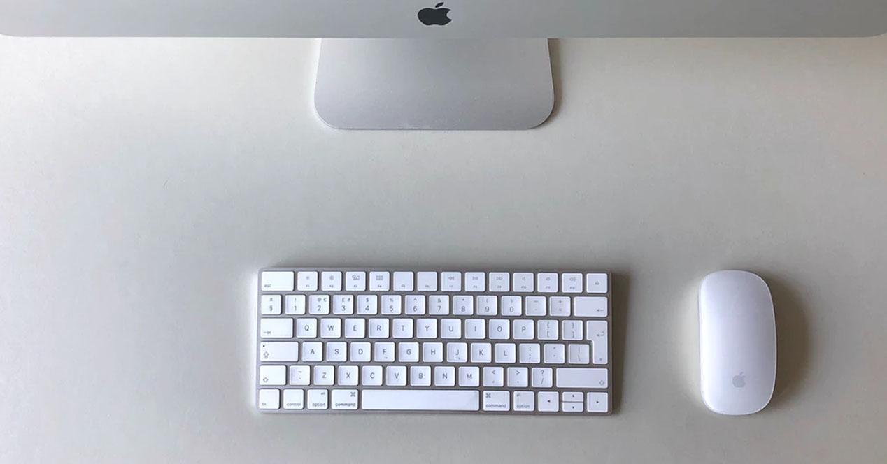 Apple Magic Keyboard Magic Mouse 2