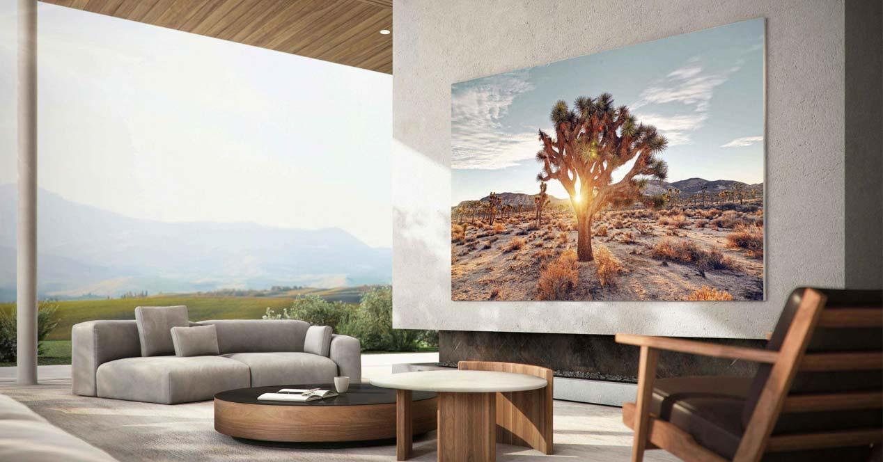 Smart TV Samsung en la pared