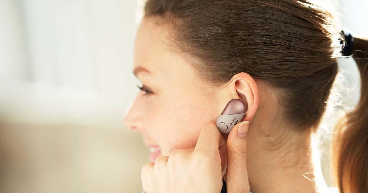 Uso de los auriculares Sony WF-SP700
