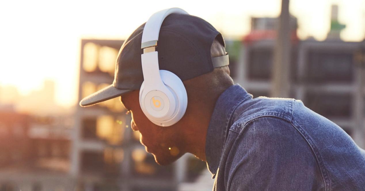 Auriculares inalámbricos Apple Beats Studio3