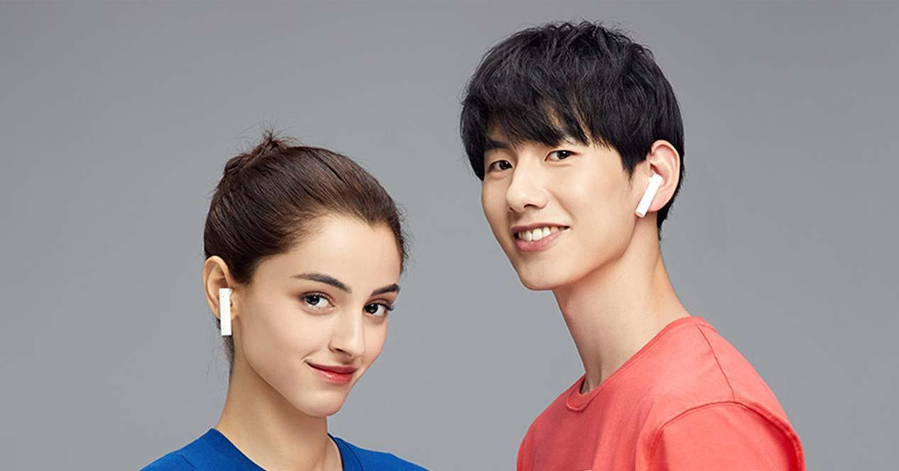 Uso de los auriculares Xiaomi Mi True Wireless Earphones 2 Basic