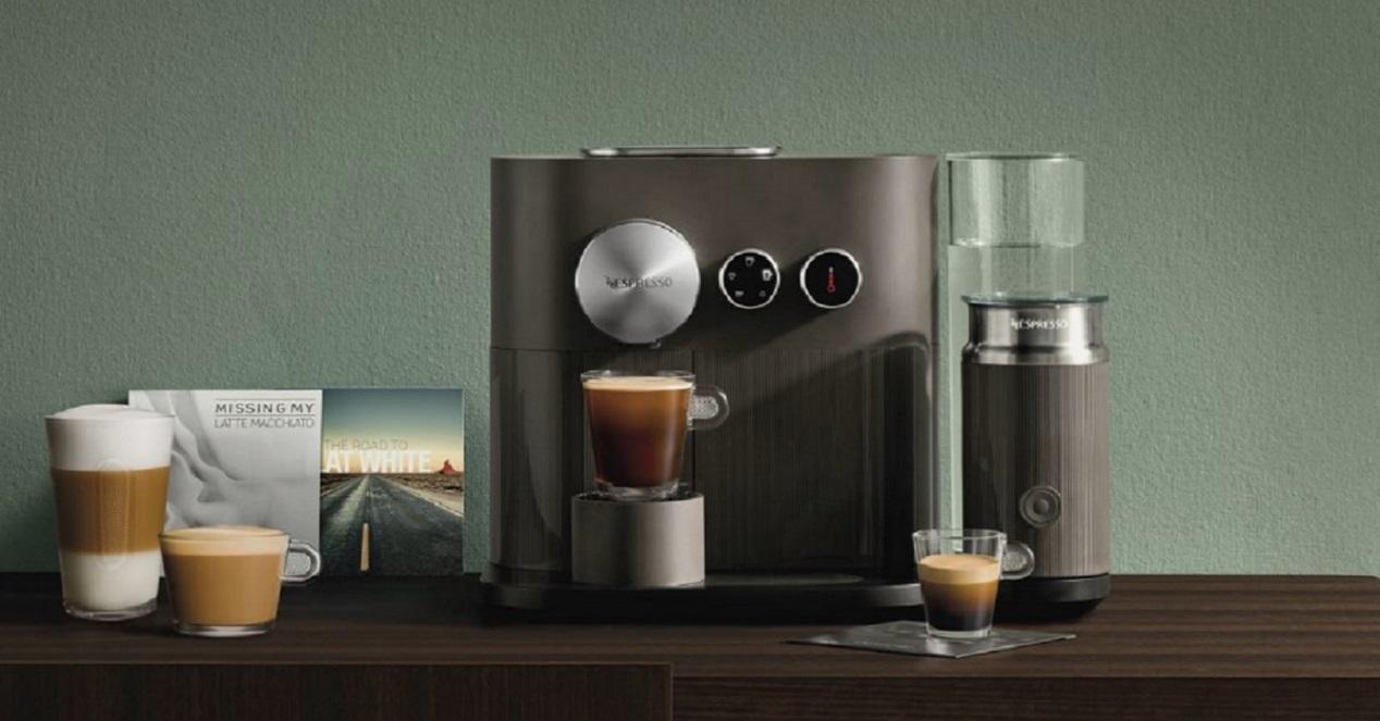 Cafetera bluetooth Nespresso XN 6008 EXPERT