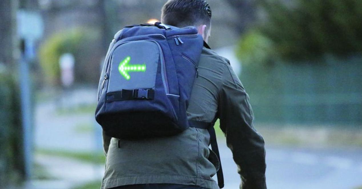 mochila con señales LED