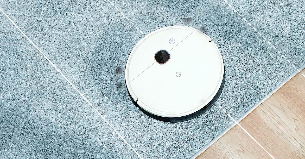 Robot aspirador Yeedi en funcionaiento