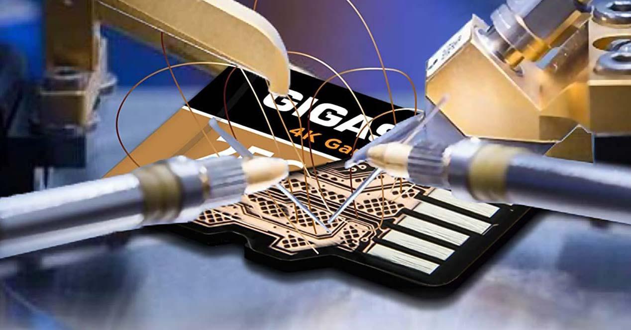 Interior tarjeta microSD