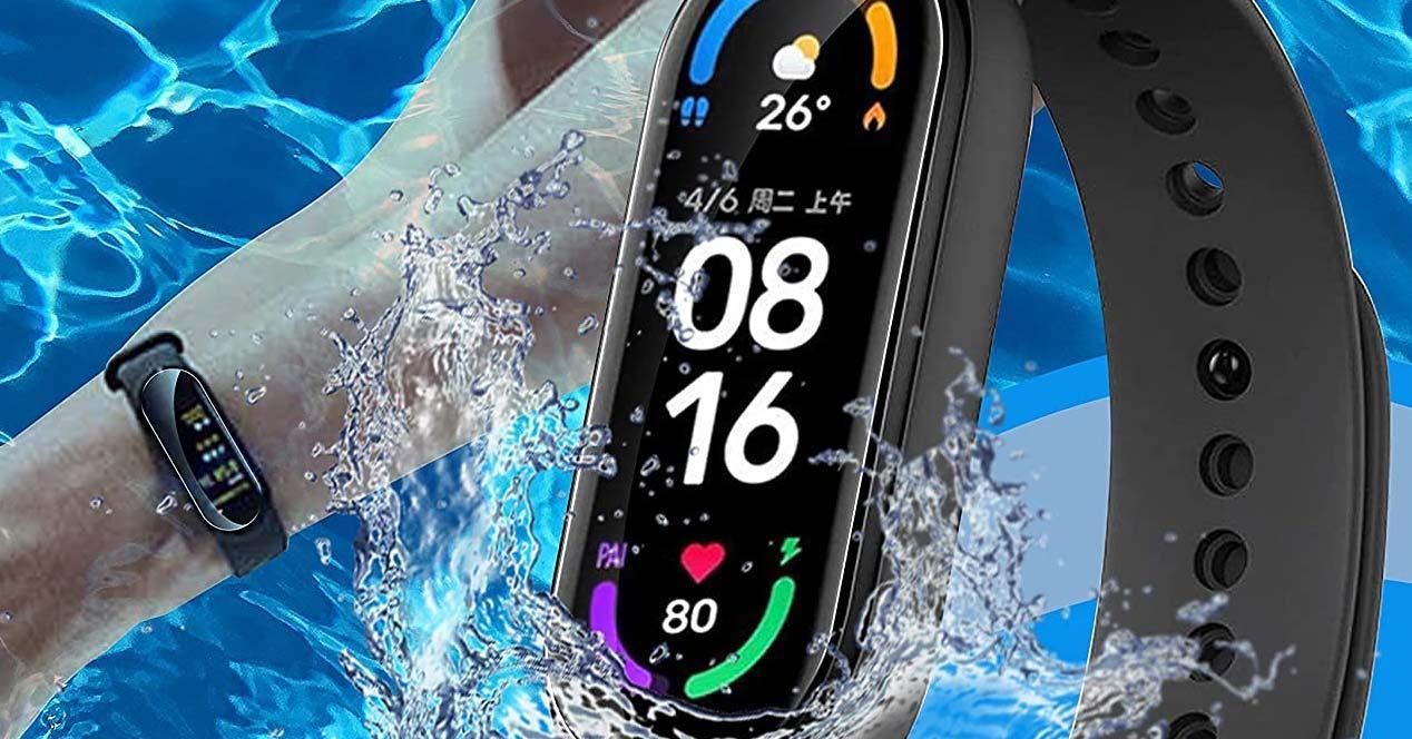 Xiaomi Mi Band 6 con fondo de agua