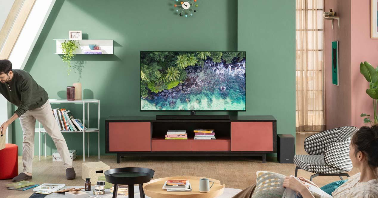 Uso de una smart tv en el salón