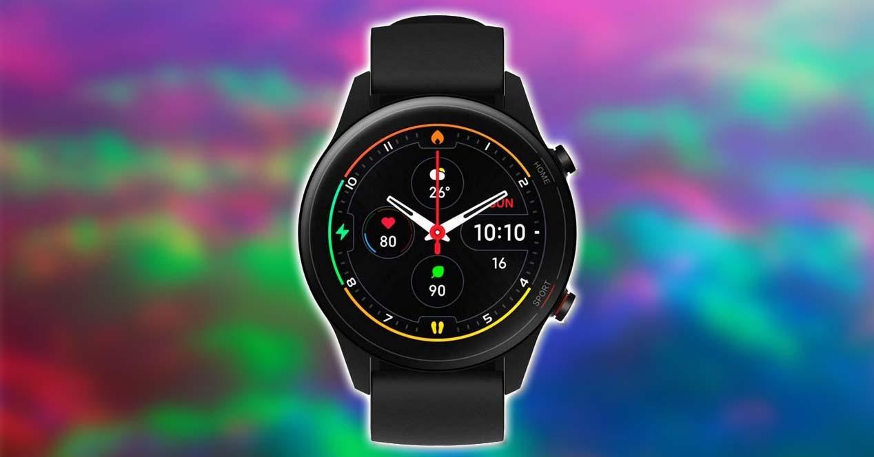Xiaomi Mi Watch con fondo colores