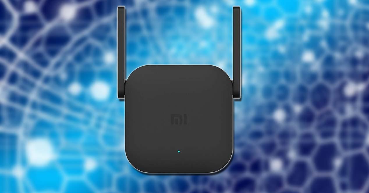 Xiaomi WiFi Repeater Pro con fondo azul