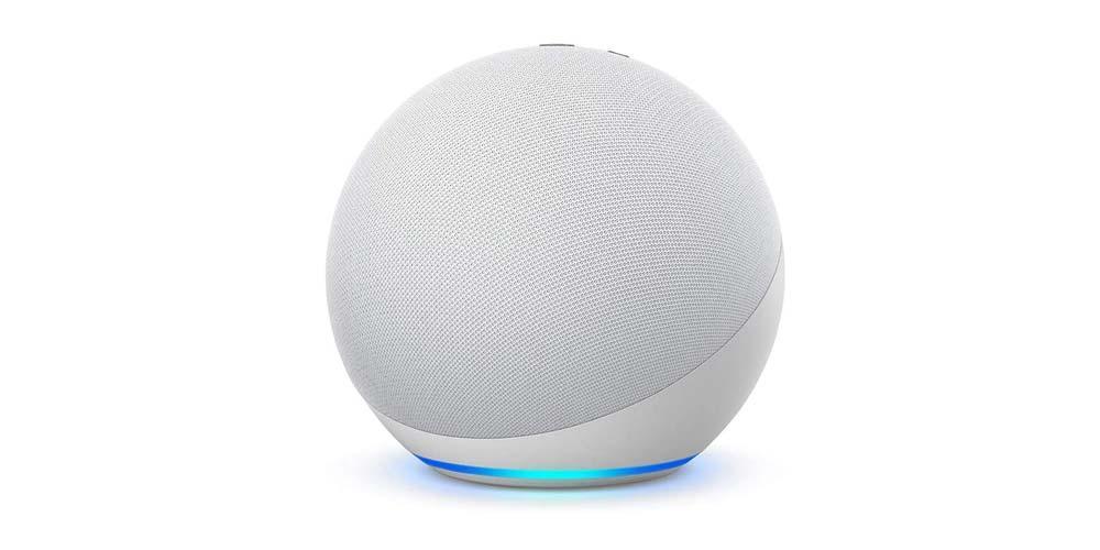 Altavoz Amazon Echo de color blanco