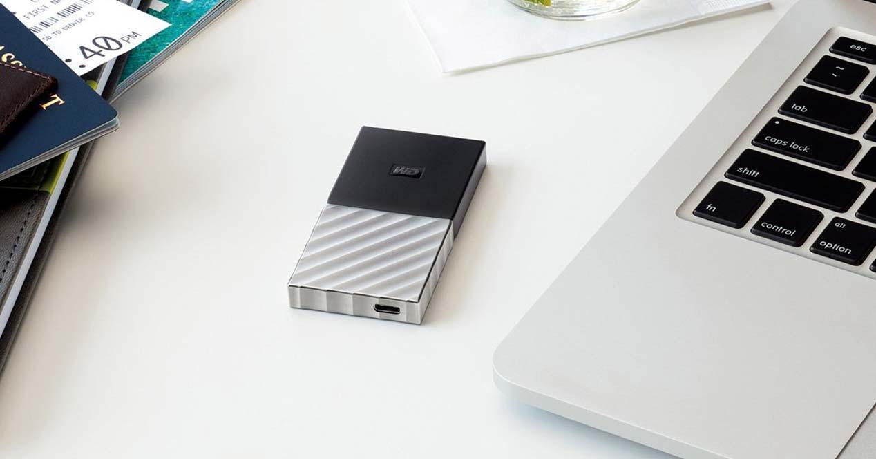 Disco externo SSD WD My Passport con un ordenador