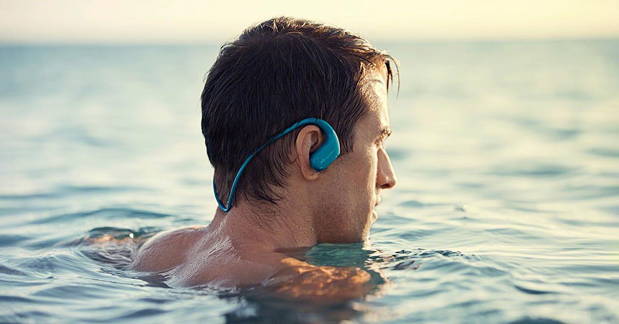auriculares resistentes al agua