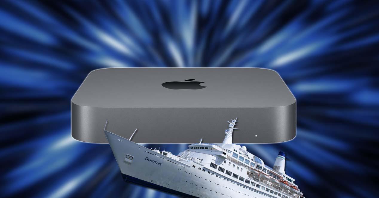 Mac Mini con fondo y un barco