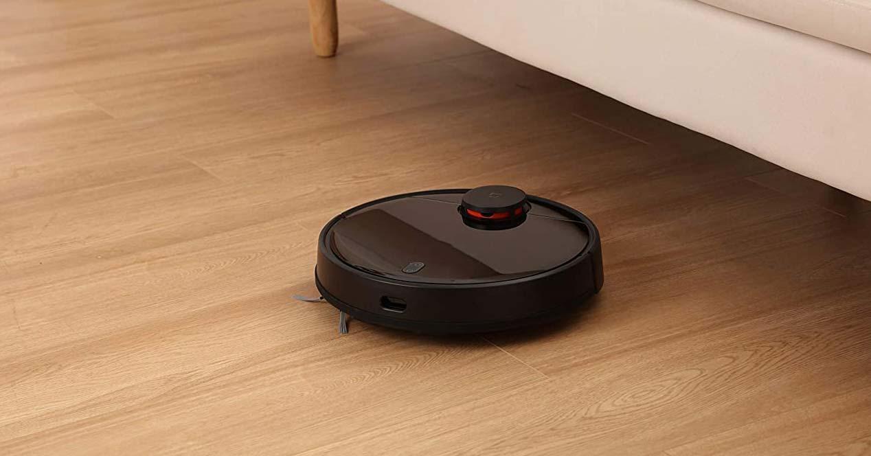 Robot aspirador funcionando